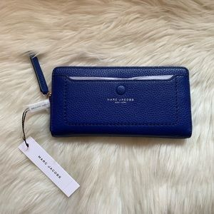 New! MARC JACOBS Leather Zip Around Wallet